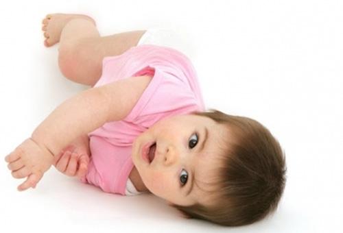 4 месячный ребенок: как проверить рефлексы и процесс развития