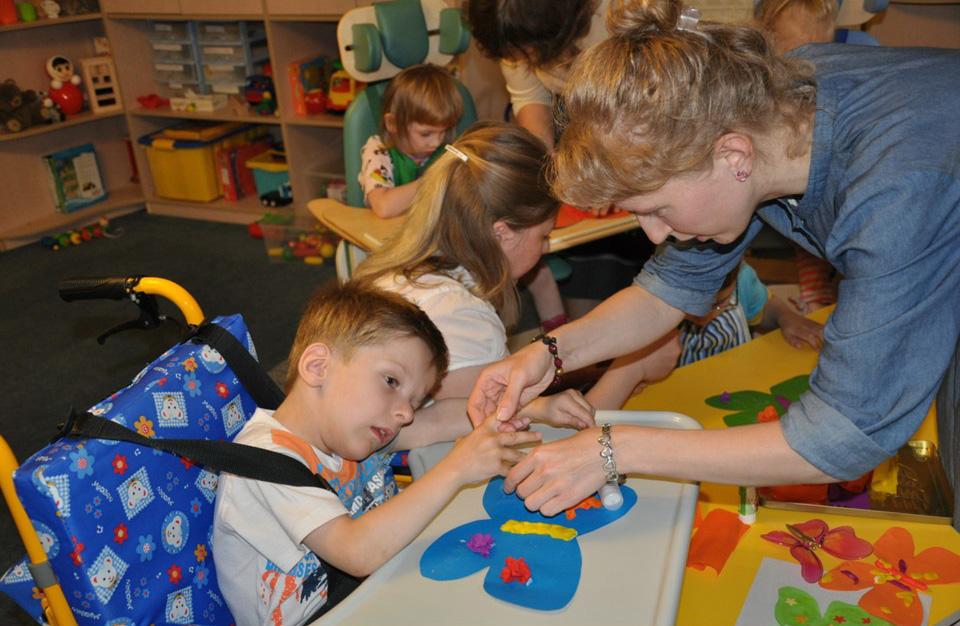 работа с больными детьми вакансии в москве