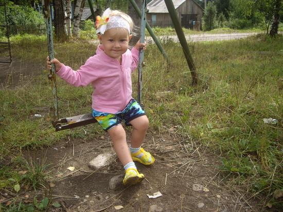 Фото ребенка в год и восемь месяцев
