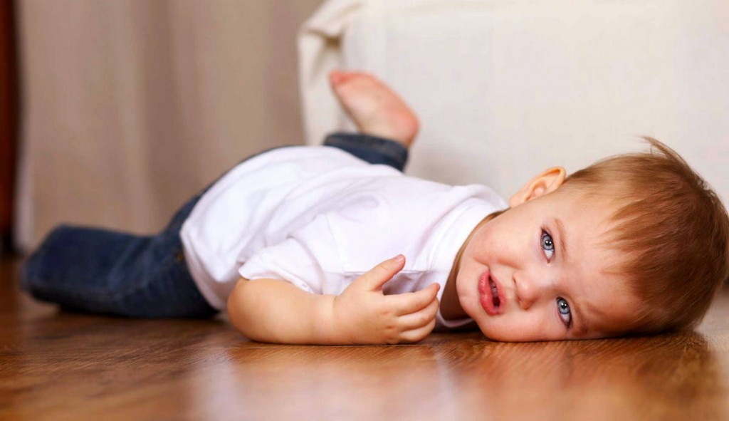 ребенок год и три бьется головой внесении изменений