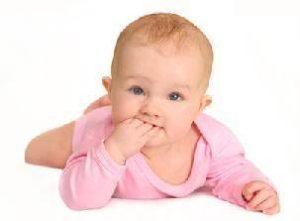 пятый месяц ребенку развитие