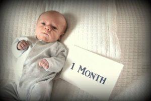 ребенок в 1 месяц развитие