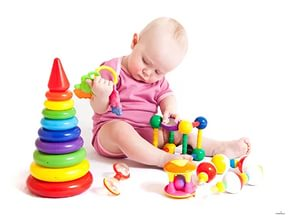 Какие игрушки нужны ребенку в 4-5 месяцев